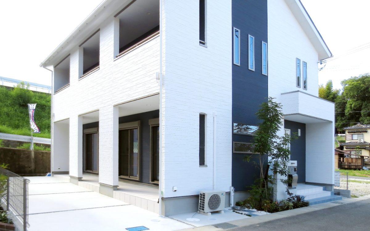 モノクロで統一されたスタイリッシュな住宅